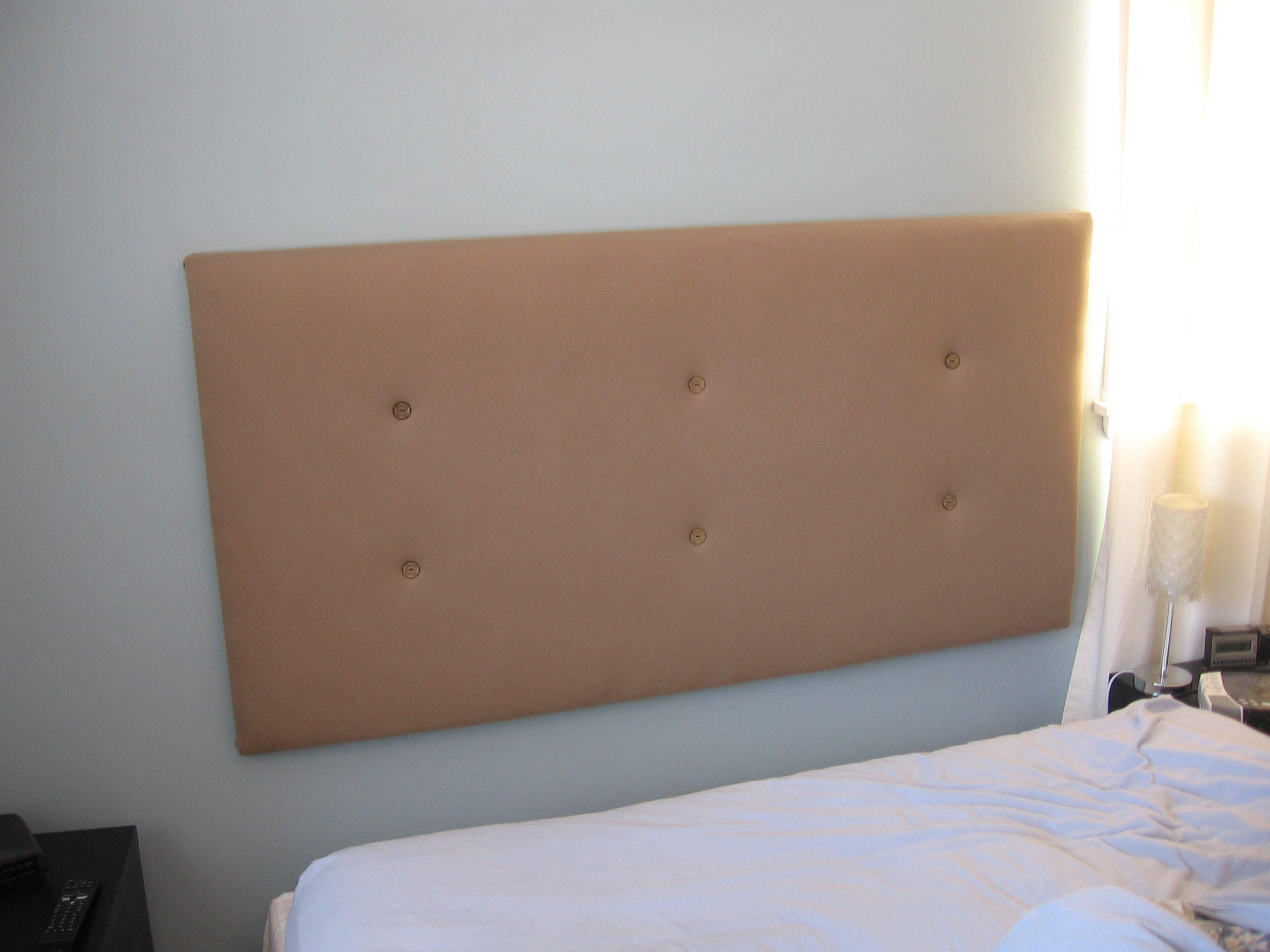 How to make an upholstered headboard | Jumptuck