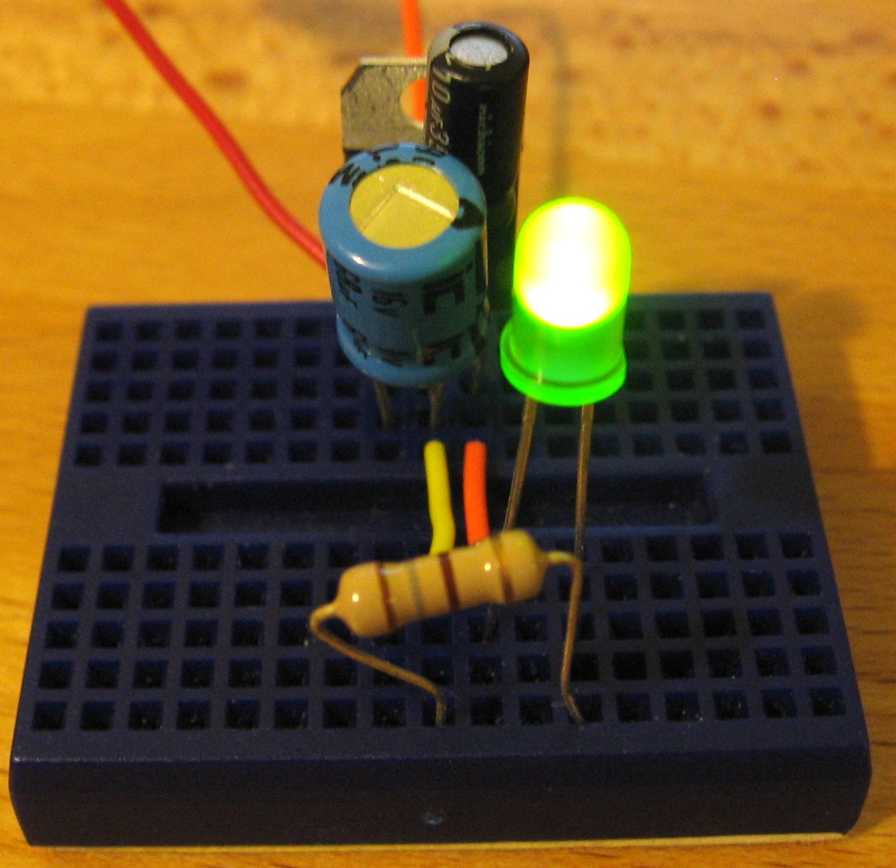 Voltage Regulation With Our Friend The 7805 Jumptuck More Led Circuits Regulator Here Is Simple Circuit